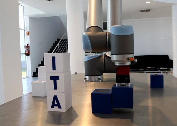 Imagen de un robot de última generación componiendo la escalera de la innovación de ITAINNOVA