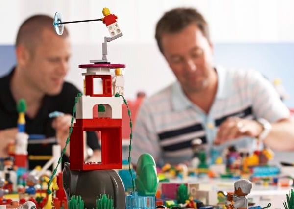 Imagen de un taller workshop de LEGO